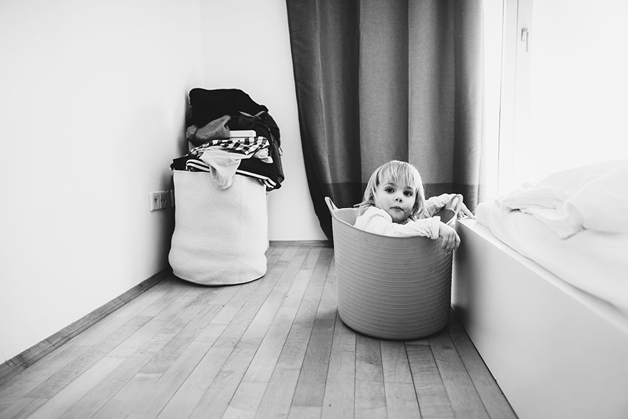 NicetohaveMag_Kinder_Familienshooting_Interior_Schlafzimmer_ChiaraDoveri_Eltern