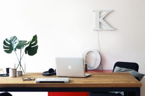 NicetohaveMag-Noodlesfurniture-Esstisch-Massivholz-Monstera-homeoffice